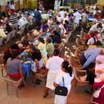 Festa de Natal organizada para os idosos de baixos recursos em Zacatecoluca.