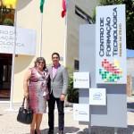 A Presidente do Instituto Paramitas Claudia Stippe e o Prefeito Jeferson Andrade.